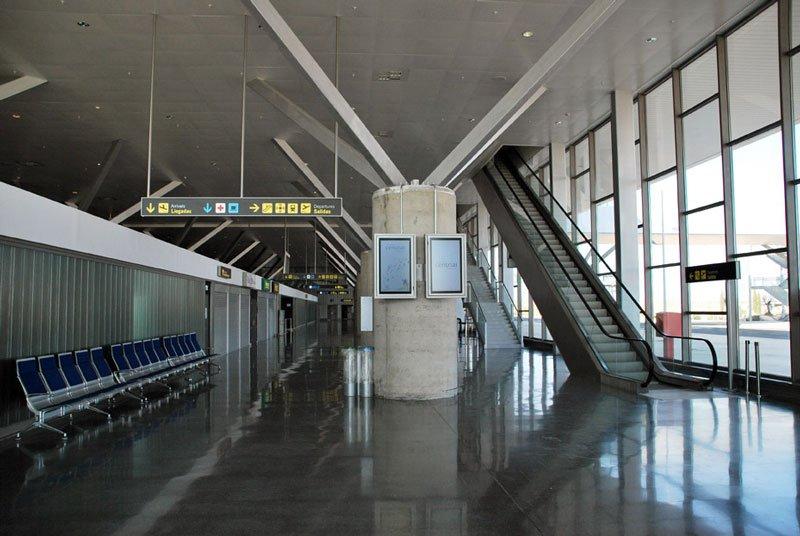szellemrepülőtér (Array)