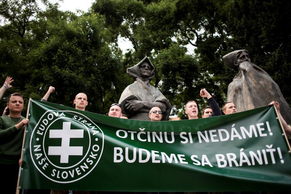 szlovák nácik (Array)