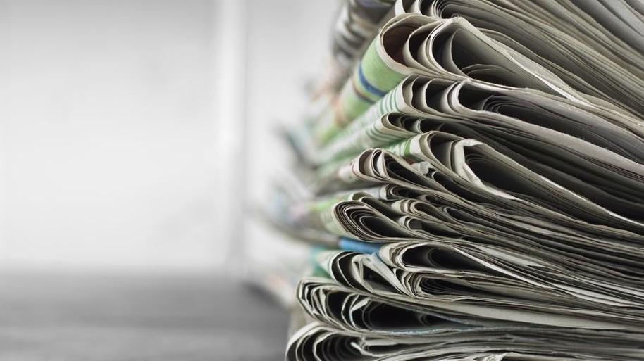 újságok (Array)