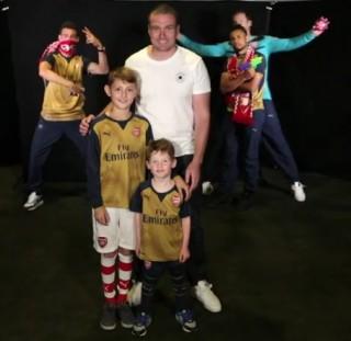 Arsenal mezbemutató (Array)
