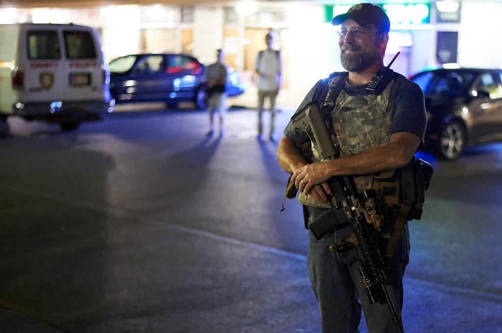 Ferguson - fogadalomtartó (Array)
