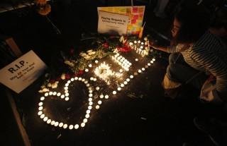 Gyász Bangkokban (Array)