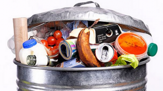 Kidobott élelmiszer (Array)