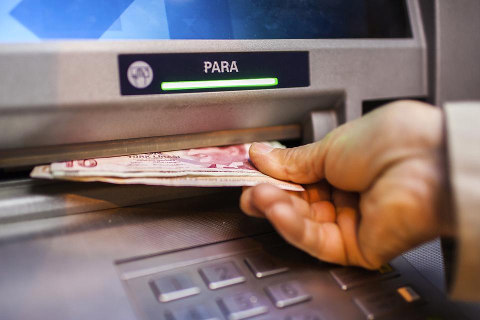 bankautomata, készépénz (Array)