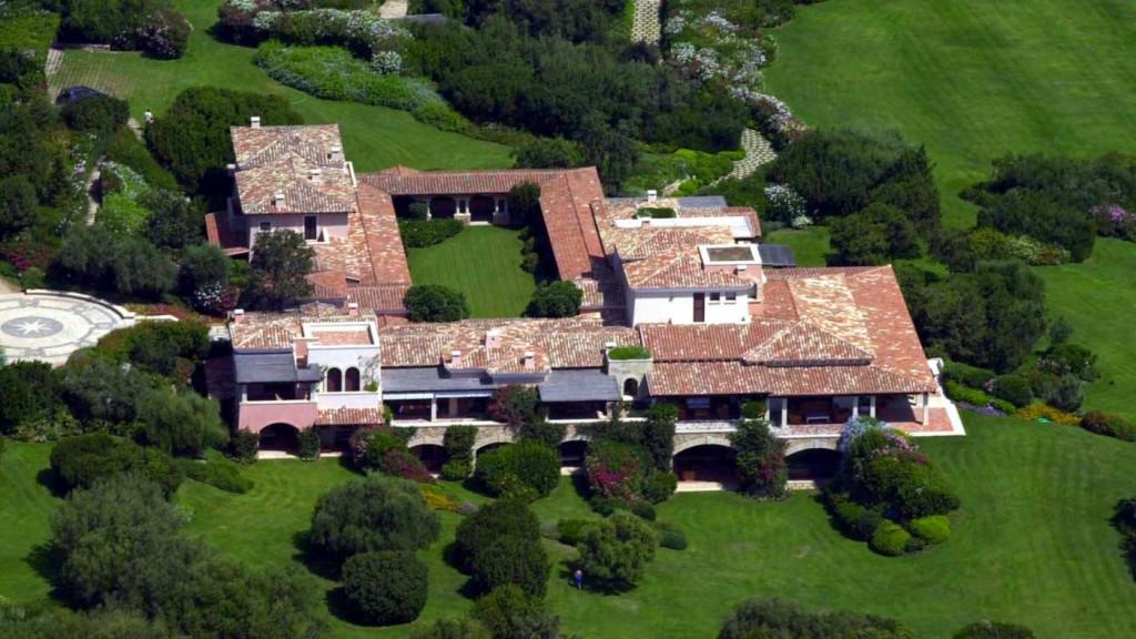 berlusconi villa (Array)