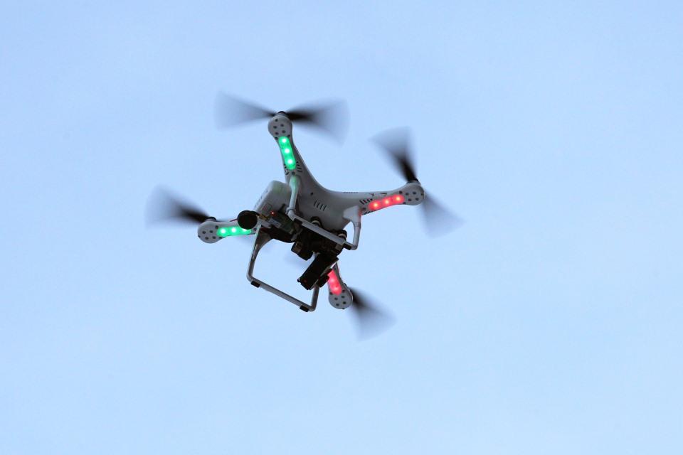 drón (Array)