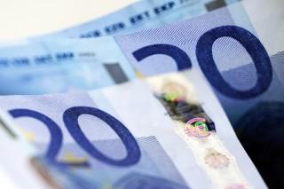euró (Array)