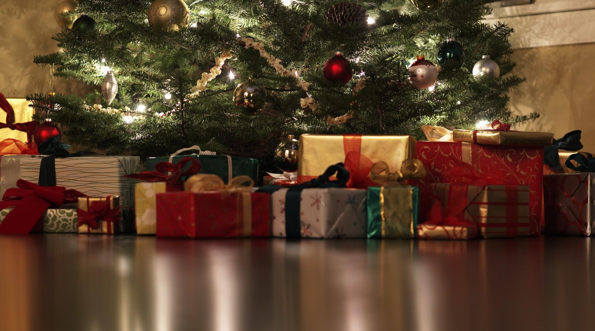karácsonyi ajándékok (Array)