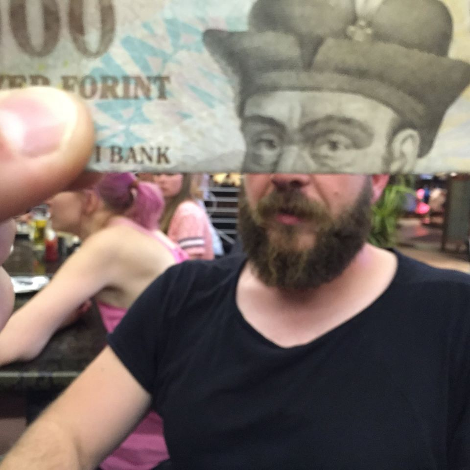 kasabian forint 2 (Array)