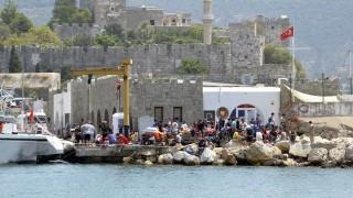 menekültek görögországban (Array)