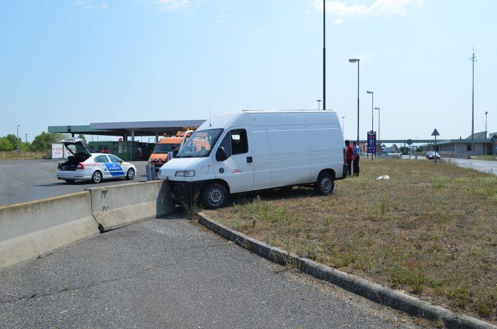 migránsok balesete (Array)