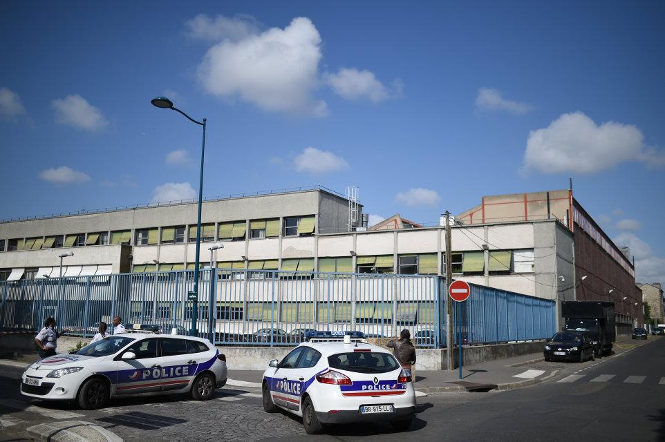 párizsi támadás (Array)