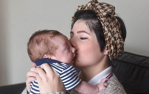 szülés (Array)