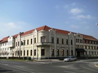 tapolca városháza (Array)