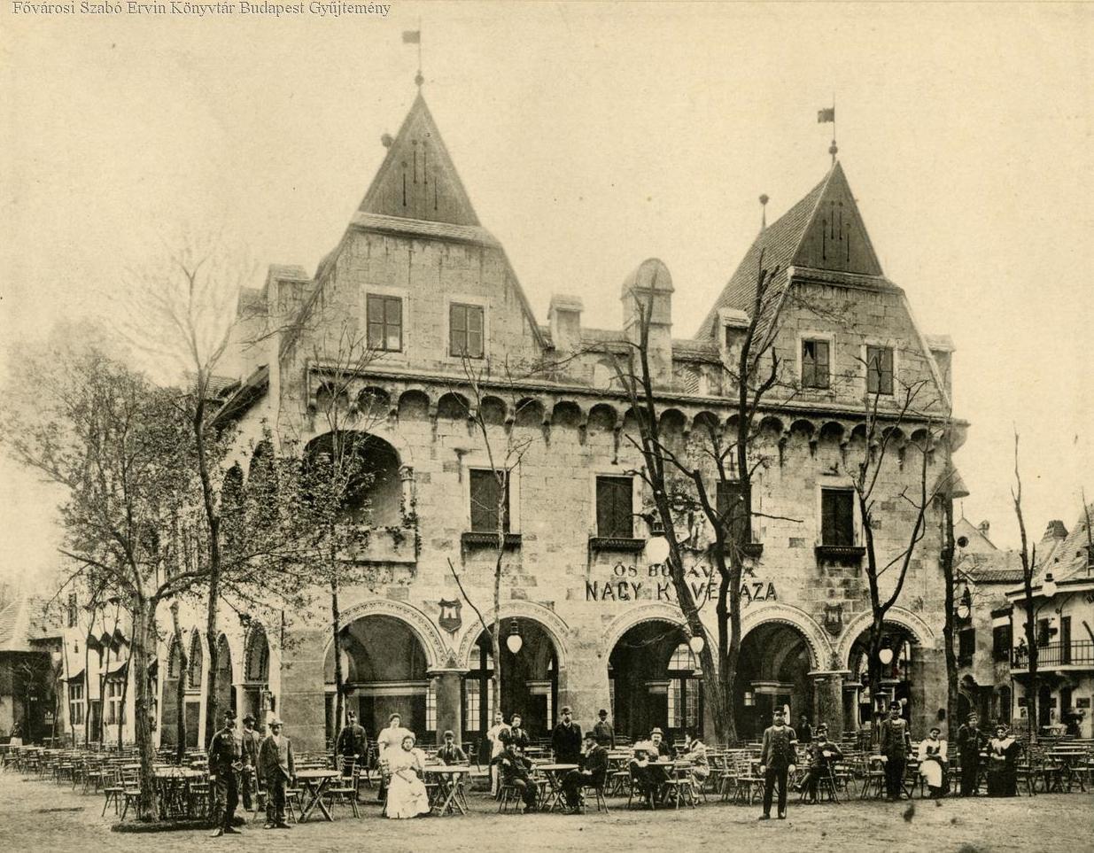 A nagy kávéházént használt Városháza