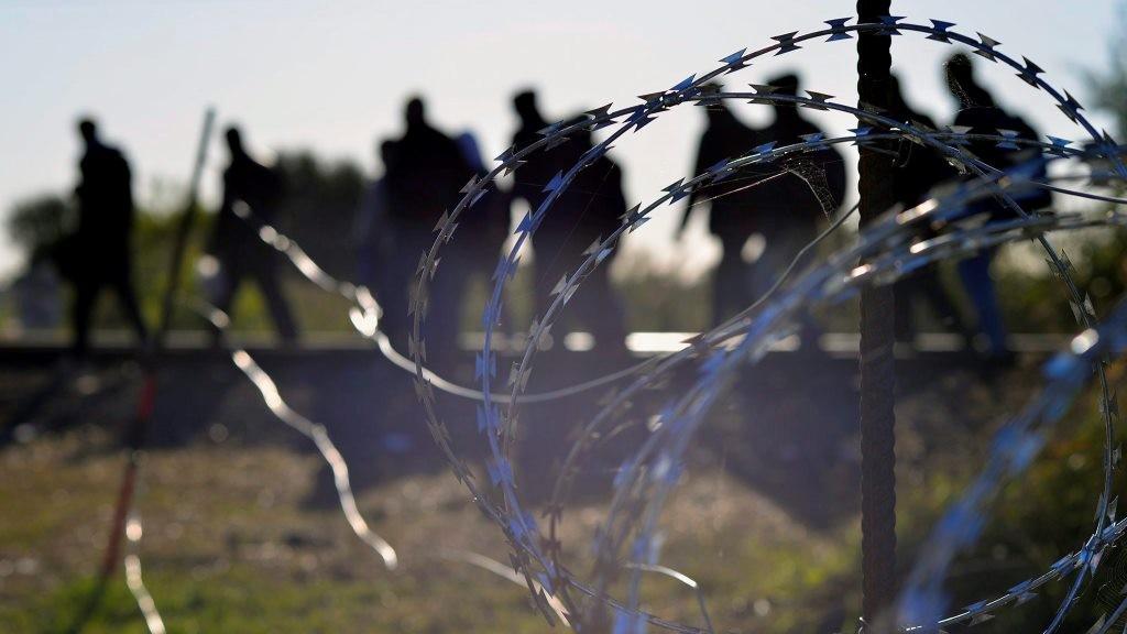 Illegális bevándorlás - Migránsok Horgos és Röszke határában