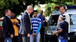 Illegális bevándorlás - A DK politikusai a bicskei befogadóállomáson
