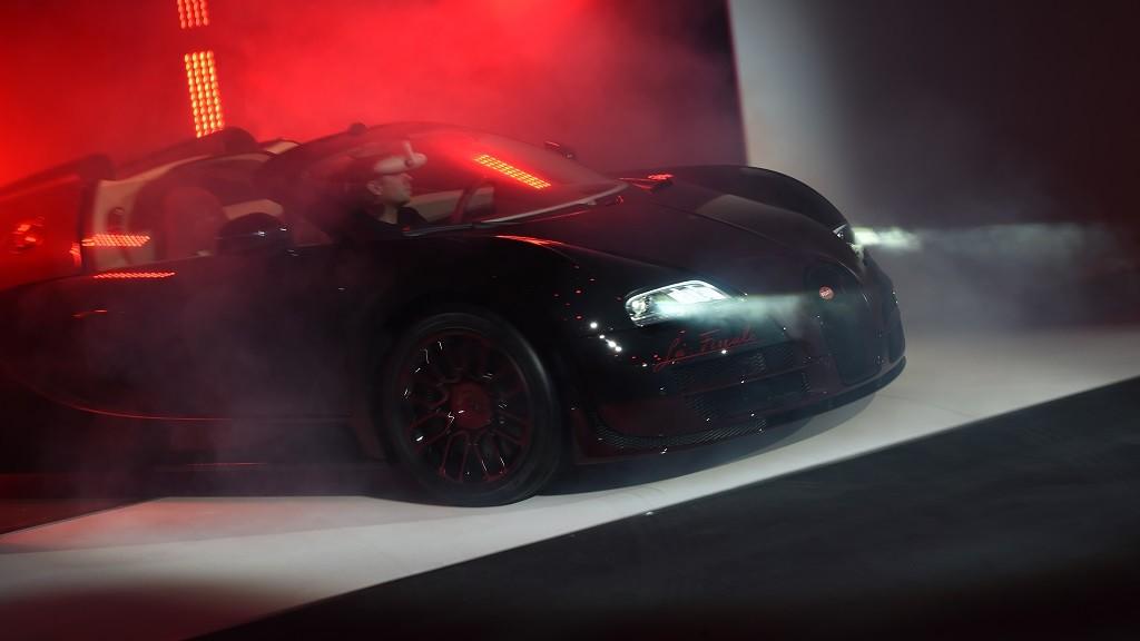 The new Bugatti Veyron 450 16.4 La Finale is presented at the 85th Geneva International Motor Show at the Palexpo fairground in Geneva, Switzerland, 02 March 2015. The 85th Geneva International Motor Show runs from 05 until 15 March 2015. Photo:FELIX KAESTLE/dpa