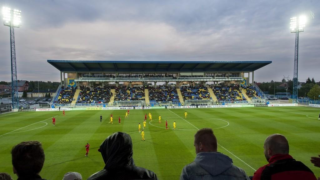 Gyõr, 2015. szeptember 26. A Gyirmót FC NB II-es labdarúgócsapat felújított stadionja, az Alcufer Stadion a Gyõrhöz tartozó Gyirmóton az átadás napján, 2015. szeptember 26-án. MTI Fotó: Krizsán Csaba