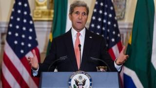 Washington, 2015. szeptember 16. John Kerry amerikai külügyminiszter az európai menekültválságról tart sajtótájékoztatót a washingtoni külügyminisztériumban 2015. szeptember 16-án. (MTI/EPA/Jim Lo Scalzo)