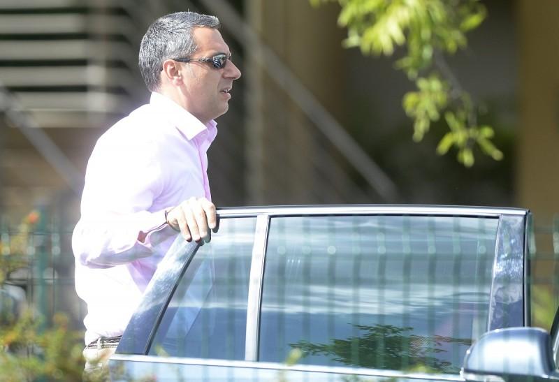 Velence, 2015. szeptember 16. Lázár János, a Miniszterelnökséget vezetõ miniszter érkezik a Fidesz-KDNP kétnapos kihelyezett tanácskozására a velencei Velence Resort & Spa szálloda elõtt 2015. szeptember 16-án. MTI Fotó: Kovács Tamás