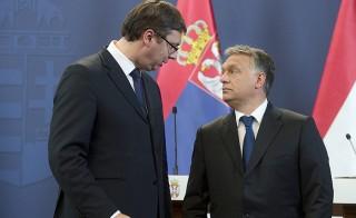 Budapest, 2015. július 1.Aleksandar Vucic szerb miniszterelnök (b) és Orbán Viktor miniszterelnök a találkozójukat követően tartott sajtótájékoztatón az Országházban 2015. július 1-jén.MTI Fotó: Koszticsák Szilárd