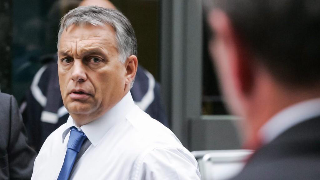 Brüsszel, 2015. szeptember 24. Orbán Viktor miniszterelnök az Európai Uniónak az EU-ba irányuló illegális bevándorlásról rendezett rendkívüli csúcsértekezletére érkezik Brüsszelben a 2015. szeptember 23-án. (MTI/AP/Francois Walschaerts)