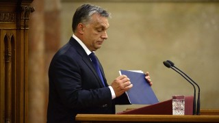 Budapest, 2015. szeptember 21. Orbán Viktor miniszterelnök befejezi napirend elõtt felszólalását az illegális bevándorlással összefüggésben az Országgyûlés plenáris ülésén 2015. szeptember 21-én. MTI Fotó: Bruzák Noémi