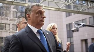 Brüsszel, 2015. szeptember 23.Az Európai Tanács által közreadott képen Orbán Viktor miniszterelnök az Európai Uniónak az EU-ba irányuló illegális bevándorlásról rendezett rendkívüli csúcsértekezletére érkezik Brüsszelben a 2015. szeptember 23-án. (MTI/Európai Tanács/Mario Salerno)