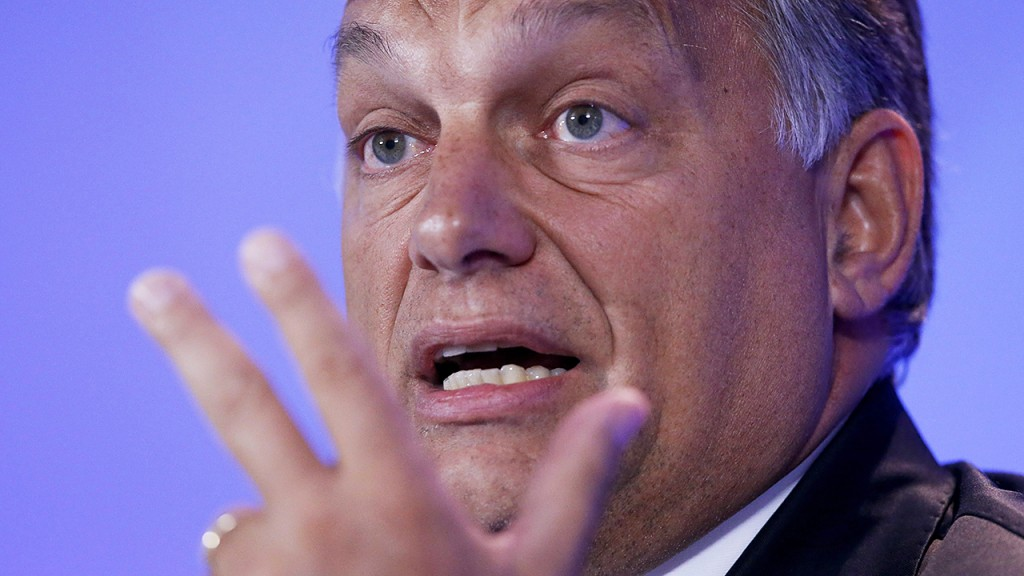 Brüsszel, 2015. szeptember 3. Orbán Viktor miniszterelnök nemzetközi sajtóértekezletet tart Brüsszelben 2015. szeptember 3-án. A kormányfő az európai menekültválságról tárgyalt az uniós vezetőkkel a belga fővárosban. (MTI/EPA/Olivier Hoslet)