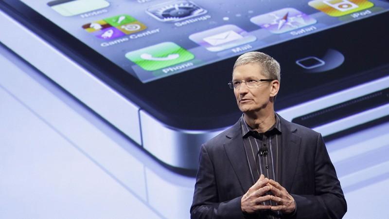 New York, 2011. augusztus 25.2011. január 11-i kép Tim COOK-ról, az Apple amerikai információtechnológiai cég ügyvezető igazgatójáról. Steve Jobs, az Apple cég társalapító vezérigazgatója 2011. augusztus 24-én lemondott, és Cook veszi át a tisztségét. (MTI/AP/Mark Lennihan)