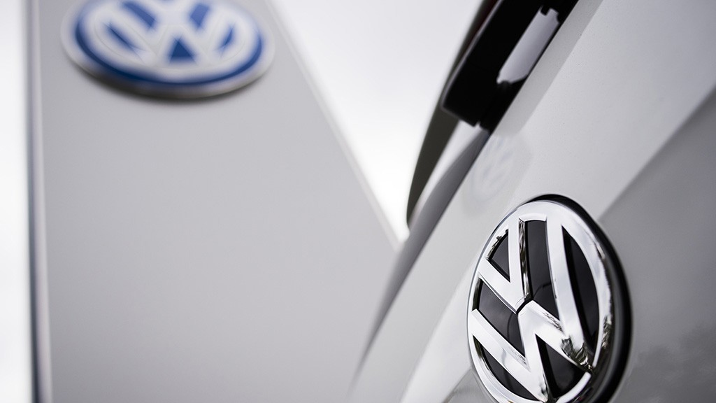 The Volkswagen logo is seen at a Volkswagen dealer in Berlin on September 22, 2015.  In an affair that originally broke on Friday and has unfolded rapidly since then, VW has forced to admit on Tuesday that 11 million of its diesel cars all around the world are equipped with devices that can cheat pollution test.   AFP PHOTO / ODD ANDERSEN