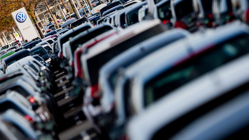FILE- A file picture made available on 22 September 2015 show cars, mainly Volkswagen vehicles, on a public car park for employees at the Volkswagen plant in Wolfsburg, Germany, 23 October 2014. Photo: JULIANSTRATENSCHULTE/dpa