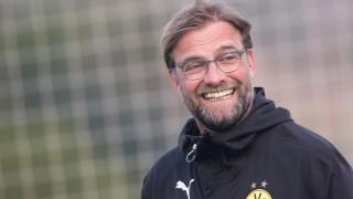 Borussia Dortmund's head coach Juergen Klopp smiles during a training session in La Manga, Spain, 12 January 2015. Borussia Dortmund stays in La Manga until 18 January 2015 to prepare for the second half of the German Bundesliga season. Photo: Marius Becker/dpa