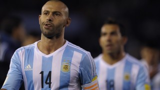 Argentina's midfielder Javier Mascherano leaves the field in dejection after losing 2-0 to Ecuador in a Russia 2018 FIFA World Cup qualifiers match, at the Monumental stadium in Buenos Aires, on October 8, 2015.   AFP PHOTO / ALEJANDRO PAGNI