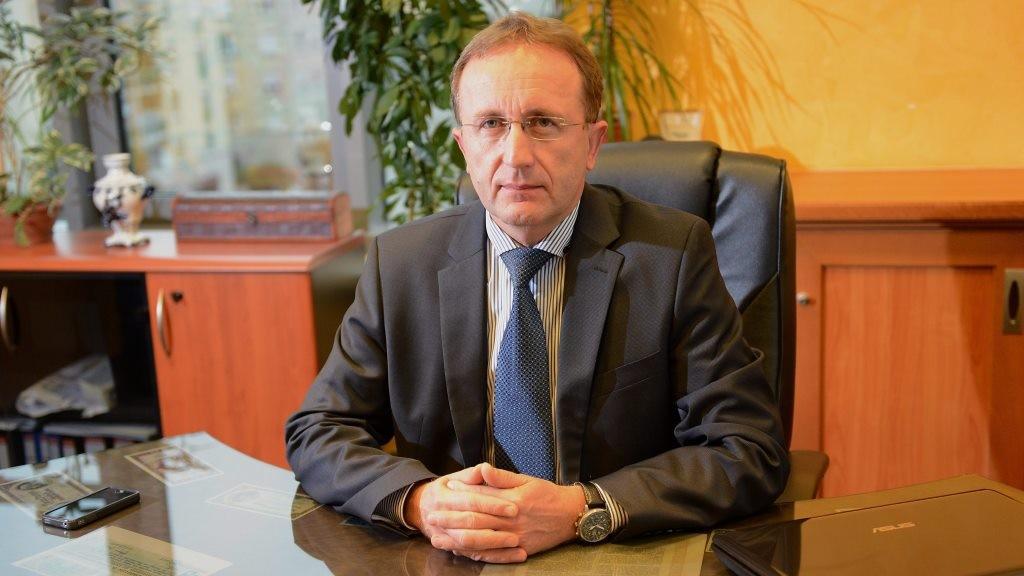 A Széchenyi Bank vezetői és az Új Piacok Kereskedőház tulajdonosai