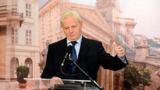 Illegális bevándorlás - Tarlós István sajtótájékoztatója a Verseny utcai ideiglenes szociális blokkról