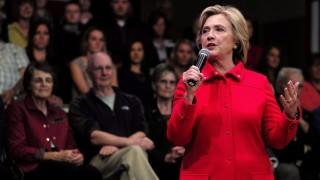 Keene, 2015. október 16. A Demokrata Párt 2016-os elnökjelöltségére pályázó Hillary Clinton volt amerikai külügyminiszter beszél egy választási kampányrendezvényen a New Hampshire állambeli Keene-ben 2015. október 16-án. (MTI/EPA/CJ Gunther)