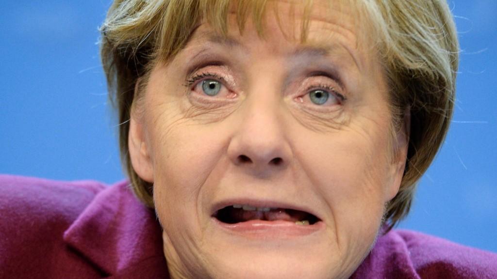 Brüsszel, 2015. október 16. Angela Merkel német kancellár sajtóértekezletet tart az Európai Unió csúcsértekezletének végén, a 2015. október 16-ra virradó éjjel. (MTI/EPA/Stephanie Lecocq)