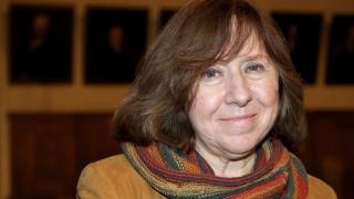 Lipcse, 2015. október 8.2013. október 15-én készült kép Szvetlana Alekszijevics fehérorosz ellenzéki íróról Lipcsében. A Svéd Királyi Akadémia 2015. október 8-án bejelentette, hogy az idén Szvetlana Alekszijevics nyerte el az irodalmi Nobel-díjat. (MTI/EPA/Peter Endig)