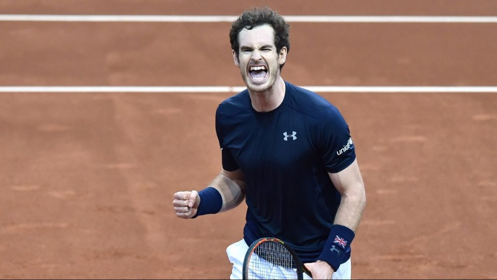 Britain's Andy Murray celebrates after winning his tennis match against Belgium's Ruben Bemelmans on the first day of the Davis Cup final between Belgium and Britain at the Flanders Expo in Ghent on November 27, 2015.  AFP PHOTO / PHILIPPE HUGUEN / AFP / PHILIPPE HUGUEN