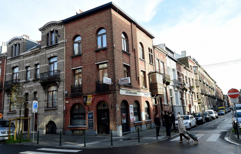 """A view of the bar """"Les Beguines"""", owned by Brahim Abdeslam, one of the suicide bombers implicated in the Paris attacks, on November 17, 2015 in Brussels' Molenbeek district. Abdeslam, 31, detonated his suicide vest outside the Comptoir Voltaire on Boulevard Voltaire on November 13, 2015, as part of a spate of coordinated attacks in Paris that left at least 129 dead and over 350 injured. AFP PHOTO / EMMANUEL DUNAND"""