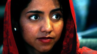"""Afghan rapper Sonita Alizadeh waits before the screening of the documentary """"Sonita"""" at the International Documentary Filmfestival Amsterdam (IDFA) in Amsterdam on November 23, 2015. Sonita Alizadeh, 19, was just 10 years old when her parents first tried to sell her into marriage.  AFP PHOTO / ANP / BAS CZERWINSKI  ***NETHELRANDS OUT*** / AFP / ANP / BAS CZERWINSKI"""