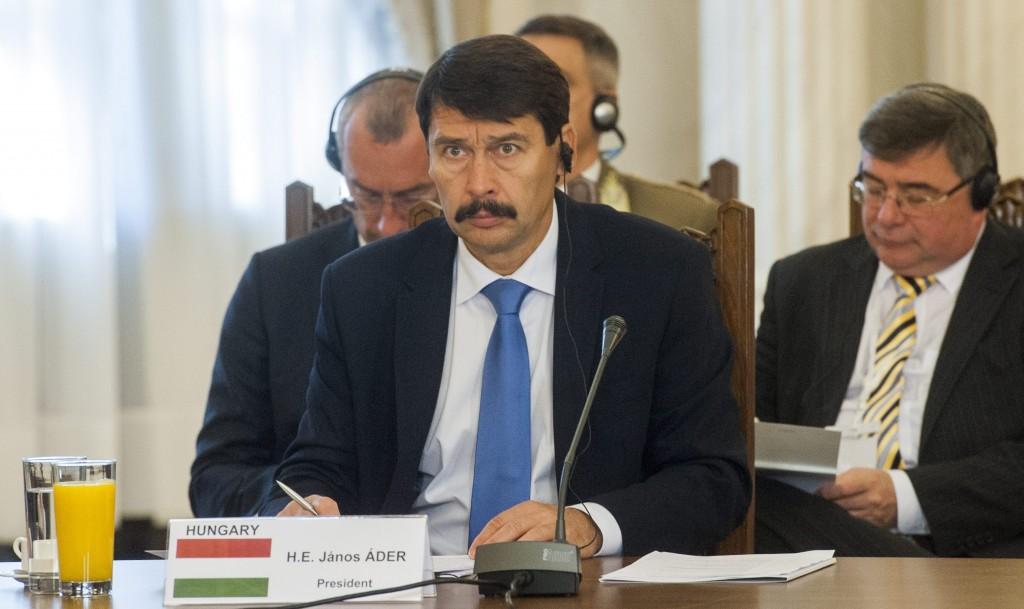 Bukarest, 2015. november 4. Áder János köztársasági elnök a közép- és kelet-európai NATO-tagállamok bukaresti találkozóján 2015. november 4-én. A találkozó témája az euro-atlanti biztonság, szolidaritás és kohézió. MTI Fotó: Illyés Tibor