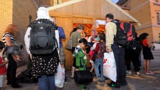 Illegális bevándorlás - Önkéntesek segítenek a bevándorlóknak Szegeden