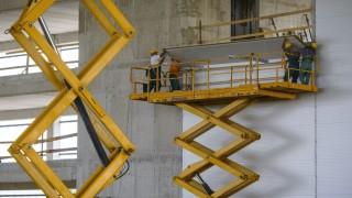 Debrecen, 2015. július 29. Az épülõ innovációs és inkubációs központ a debreceni repülõtéren 2015. július 29-én. A kormány kiemelt projektjeként kezelt, több mint 1,34 milliárd forint európai uniós és magyar központi költségvetési támogatásból megvalósuló beruházás során, az új épületben fog helyet kapni a légikikötõ új utasterminálja is. MTI Fotó: Czeglédi Zsolt