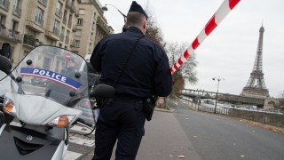 PARIS, FRANCE - NOVEMBER 29:  Police close President Kennedy Avenue as part of ongoing security measures on November 29, 2015 in Paris, France.  (Photo by Thierry Orban/Getty Images)