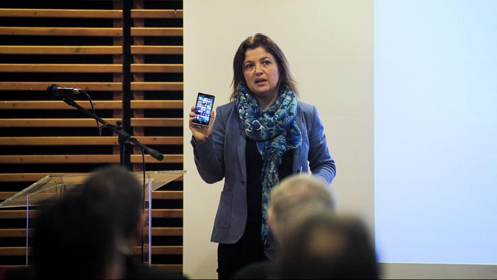 Grósz Judit ( Microsoft Magyarország) előadása a DIMSZ ülésén
