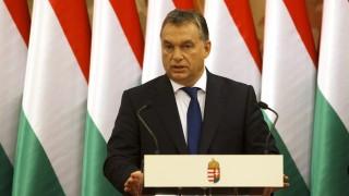 Szombathely, 2015. november 17. Orbán Viktor miniszterelnök a Modern városok program keretében kötött együttmûködési megállapodás aláírása után a Puskás Tivadar polgármesterrel közösen tartott sajtótájékoztatón Szombathelyen 2015. november 17-én. MTI Fotó: Varga György