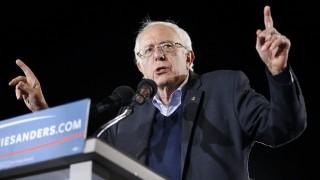 Las Vegas, 2015. november 9. A Demokrata Párt elnökjelöltségére pályázó Bernie Sanders vermonti szenátor támogatóihoz beszél egy választási nagygyûlésen a nevadai Las Vegasban 2015. november 8-án. (MTI/AP/John Locher)
